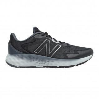 Schoenen New Balance Fresh Foam EVOZ